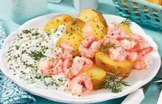 Kartoffeln mit Garnelen und Quark - Einfache Rezeptideen mit Meeresfrüchten - Garnelen oder Krabben sind schnell gebraten und eine tolle eiweißreiche Ergänzung für Kartoffeln mit Quark. Servieren Sie dazu einen Blattsalat. » zum Rezept: Kartoffeln...