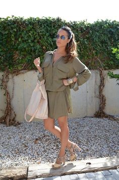 The Sexy & Simple Shirt Dress