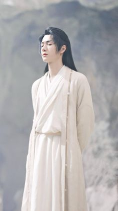 Wang Yibo in The Legend Of Fei so handsome💕🦁💕 Chinese Picture, Chinese Man, Hanfu, Ancient Beauty, Chinese Clothing, Crown Hairstyles, Guy Pictures, Chen, Beautiful Men