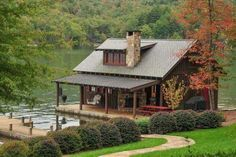 Lake House Cottage Small Cabins, Check Right Now - Haus - Entwurf World Lake Cabins, Cabins And Cottages, Small Cabins, Tiny Log Cabins, Little Cabin, Log Cabin Homes, Lake Cottage, Cabins In The Woods, Cabin On The Lake