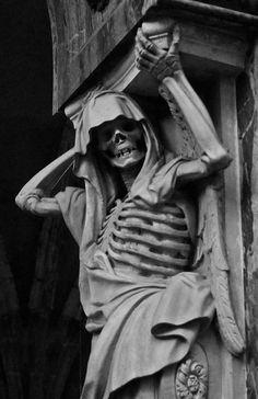 Load-bearing skeleton