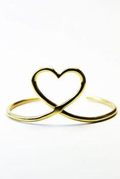 Bracelet MON COEUR - Mimilamour 95€  https://mimilamour.com/collections/mimilamour/products/bracelet-mon-coeur
