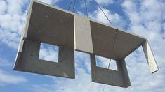 Laumer Raummodulbau . Foto Laumer #raummodule #raummodulbau #wohnraum #montage #betonfertigteile #beton #concrete #verkürztebauzeit #effizient #modern #laumer #wohnraummodule #bürobau Montage