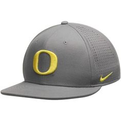 Men s Nike Gray Oregon Ducks True College Authentic Performance Vapor  Fitted Hat 90613ff7d