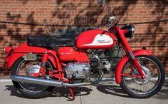 In 1960, Aermacchi released the 2nd generation of the Ala Azzurra, a touring variant of the arguably more famous Ala d'Oro/Ala Verde. Just 1,149 Ala Azzurra's were built, and much fewer are still in this kind of cosmetic condition.