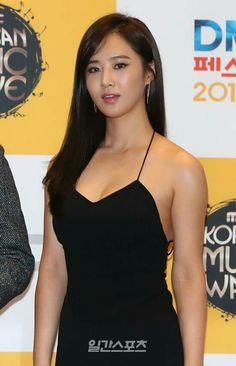 Tanned Goddess #yuri #snsd #유리 #소녀시대
