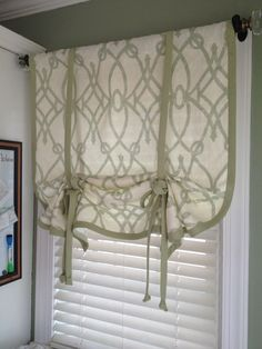Trendy bathroom window dressing no sew fabrics Ideas Bathroom Window Dressing, Bathroom Window Curtains, Bathroom Windows, Kitchen Curtains, Bedroom Blinds, Window Blinds, Shower Curtains, Diy Blinds, Bay Window