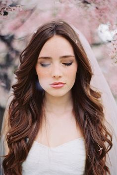 Simple wedding hair & Veil - This is the style I'd want but with a red lip