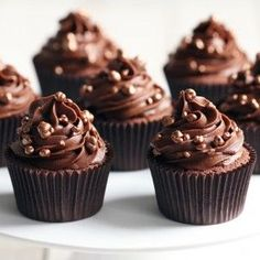Looking to bake the most delicious chocolate cupcakes? Try our popular recipe by Mary Berry and taste the pure chocolate indulgence! Mary Berry Fairy Cakes, Mary Berry Chocolate Cupcakes, Chocolate Cupcake Recipe Uk, Chocolate Fairy Cakes, Cupcake Recipes Uk, Caramel Cupcakes, Tray Bake Recipes, Baking Recipes, Easy Bake Cake