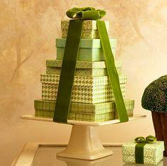 arvore de natal feita com caixas de presentes - Pesquisa Google