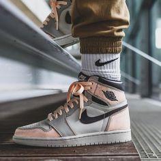 Nike Air Shoes, Nike Air Jordans, Jordans For Men, Nike Sb, Mens Fashion Shoes, Sneakers Fashion, Casual Sneakers, White Sneakers, Nike Basketball Shoes