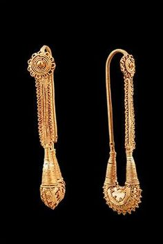 The Fitzwilliam Museum :  Pair of Crescent-shaped Temple Ornaments Material(s): Gold Date of Object: 330 BC Origin: Colchian Measurements(s): 20) H: 5.5cm; D of rosette: 1cm 23) H: 5.7cm; D of rosette: 0.8cm Provenance: The Georgian National Museum Find Location: Vani, Grave 22