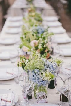 Amy Oliver Photography Sarah Giordan16 flower fleur flowing bouquet table banquet mariage wedding