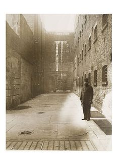 Inner courtyard of Newgate Prison, by . Museum of London Victorian Prison, Victorian London, Vintage London, Old London, East London, Victorian Era, Old Pictures, Old Photos, Vintage Photos
