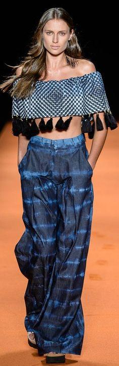 pantalón bota campana con fibra en tencel y lavado gel en stone medio