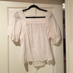 H &. M white dress shirt White dress shirt with box neck. Flowing bottom, not tight fitting H&M Tops Blouses