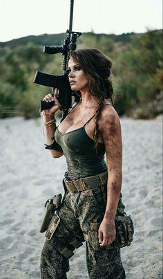 ::: sexy girls hot babes with guns beautiful women weapons Mädchen In Uniform, Female Soldier, Army Soldier, Military Girl, Military Women, Big Guns, N Girls, Army Girls, Badass Women