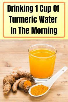 Drinking 1 Cup Of Turmeric Water In The Morning Trinken 1 Tasse Kurkuma-Wasser am Morgen Healthy Detox, Healthy Drinks, Easy Detox, Healthy Water, Healthy Eating, Turmeric Water, Tumeric Benefits, Turmeric Health, Tumeric Detox Drink