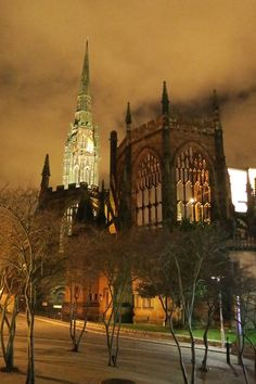 Coventry Cathedral, Coventry City, English Style, Barcelona Cathedral, Medieval, England, Memories, London, Building