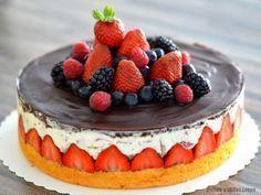 Erdbeer-Joghurette-Torte mit Schokoüberzug