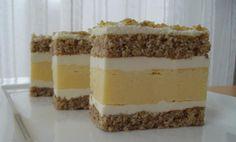 Kolač sa cheesecake-om i orasima — Coolinarika Cake Bars, Dessert Bars, Czech Recipes, Ethnic Recipes, Layered Desserts, Cake Shop, Fudge, Tiramisu, Buffet