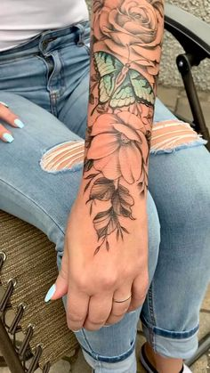 Dope Tattoos For Women, Leg Tattoos Women, Girl Arm Tattoos, Shoulder Tattoos For Women, Mom Tattoos, Body Art Tattoos, Sleeve Tattoo Women, Half Sleeve Tattoos For Women, Beautiful Tattoos For Women