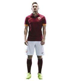 28 Maggio 2014 | Capitan #Totti con la nuova divisa #Nike. #ASRoma