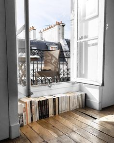 Grab a book on the way to your perch... looks like the perfect nook for some self indulgence to us ♥