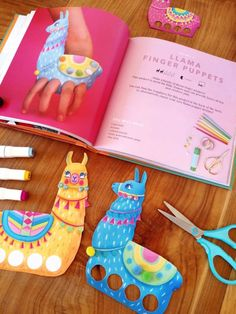 Llama finger puppets step-by-step instructions + template - Fun DIY crafts! Fun Diy Crafts, Book Crafts, Paper Crafts, How To Make Diy, Make Your Own, Crafty Kids, Finger Puppets, Preschool Worksheets, Creative Play