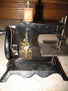 Lampadophore lapierre en boite vers 1860 fabricant for Machine a coudre zenith 513