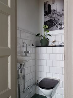 Alexander White Bathroom Interior, Bathroom Inspo, Bathroom Under Stairs, Simply Home, Guest Toilet, Laundry Room Inspiration, Toilet Room, Beautiful Interior Design, Elle Decor