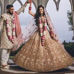 Our beautiful client Rohini in her custom Shyamal Bhumika from Bibi London ! Client diaries call us on 07931 999 111 for your bridal consultation Pakistani Dresses, Indian Dresses, Indian Outfits, Big Fat Indian Wedding, Indian Bridal, Indian Weddings, Modest Dresses, Girls Dresses, Bride Dresses