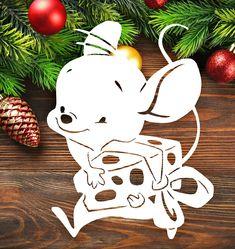 Christmas Colors, Christmas Holidays, Christmas Window Decorations, Diy And Crafts, Paper Crafts, Christmas Stencils, Cute Mouse, Christmas Coloring Pages, Dinosaur Birthday