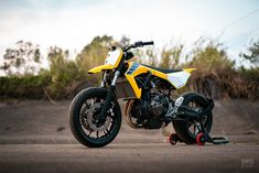 The world's most exciting custom bikes released in chosen by the readers of the world's biggest custom moto website. Flat Tracker, Custom Motorcycles, Custom Bikes, Bmw Motorcycles, Yamaha Mt07, Block Painting, Bike Builder, Indian Scout, Bmw S1000rr