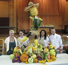 Lifesize Food Art - Oakland Community College Team that made the life size food sculptures