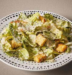 Caesar Salad I Vegetable Salad, Vegetable Recipes, Salad Supreme Recipe, My Recipes, Salad Recipes, Classic Caesar Salad, Coddle, A Food, Food To Make