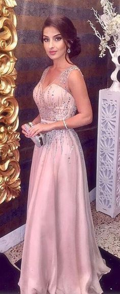 2018 Long Sleeve Gold Prom Dresses,Long Evening Dresses,Prom Dresses On Sale Want a glamorous red carpet look for a fraction of the price? This exquisite Gold Prom Dresses, V Neck Prom Dresses, Prom Dresses For Sale, Party Dresses For Women, Bridesmaid Dresses, Elegant Dresses, Formal Dresses, Formal Prom, Sexy Party Dress