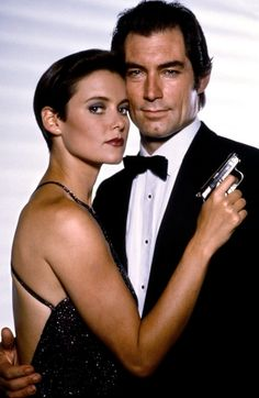 Carey Lowell and Timothy Dalton (Licence to Kill - 1989)