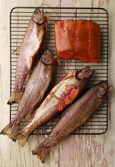 Smoked Whole Trout Recipe, Whole Trout Recipes, Lake Trout Recipes, Rainbow Trout Recipes, Smoked Salmon Recipes, Fish Varieties, Smoking Recipes, Smoking Trout Recipe, Gastronomia