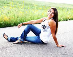 senior pictures girls sunflowers highway hills nebraska real girl