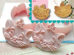 Disney Marie Cat Cookie / Food Stamp Mold Mould Cutter