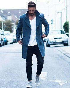 Love this #mensfashion look. A splash of blue is sometimes nice!