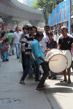 drums beats  the only non stop audio on mumbai streets