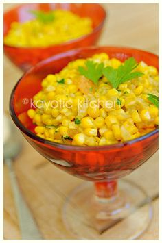 Corn with a Twist (easily veganized) :The flavors are mellow yet exotic and they completely seep into the corn. It's a really easy recipe that takes a plain ear of corn and turns it into African delicacy. Veggie Side Dishes, Vegetable Dishes, Great Recipes, Vegan Recipes, Favorite Recipes, Roasted Vegetables, Fruits And Veggies, Appetizer Recipes, Dinner Recipes