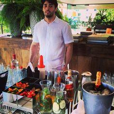 """""""Almoço #camexpresso2222 caipiroskas e nossas aguas de coco aromatizadas. #perfeito #conceptbar #camexpresso2222 #carnavaldesalvador2014 #insta2222 #ocharmedafesta"""" Photo taken by @concept_bar on Instagram, pinned via the InstaPin iOS App! http://www.instapinapp.com (03/02/2014)"""