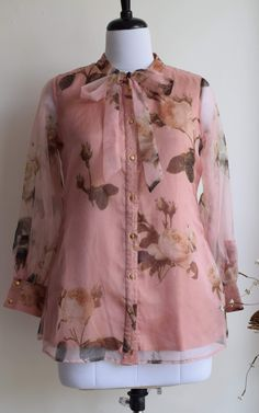 Girls Dresses Sewing, Stylish Dresses For Girls, Stylish Dress Designs, Designs For Dresses, Stylish Tops For Women, Indian Fashion Dresses, Girls Fashion Clothes, Indian Designer Outfits, Pakistani Clothing