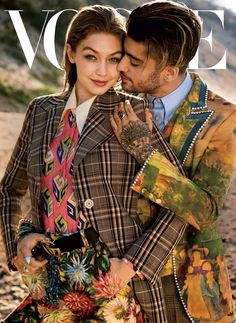 We are loving the Vogue front cover and new images of Gigi Hadid and Zayn in the August Issue. Gigi Hadid and Zayn Malik Are Part of a New Generation Embracing Gender Fluidity and have delved into. Style Gigi Hadid, Gigi Hadid And Zayn Malik, Vogue Covers, Vogue 2017, Gigi Vogue, Anwar Hadid, Shotting Photo, Magazin Covers, Vogue Magazine Covers