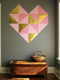 Cuadro decorativo de corazon  en pared