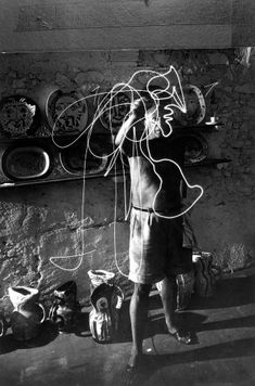 Gjon Mili-photographer -- Picasso drawing with light 1949