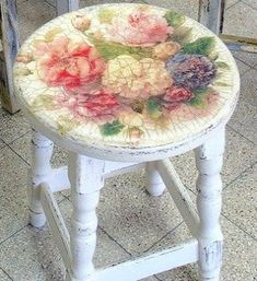 6 Aligned Cool Tips: Shabby Chic Bedding Diy shabby chic kitchen cabinets.Shabby Chic Home Diy shabby chic farmhouse decor. Decoupage Furniture, Hand Painted Furniture, Distressed Furniture, Repurposed Furniture, Shabby Chic Furniture, Shabby Chic Decor, Furniture Projects, Furniture Makeover, Diy Furniture